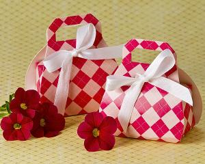 Perfectly Plaid Pink Purse Favor Box (24 Pack) image