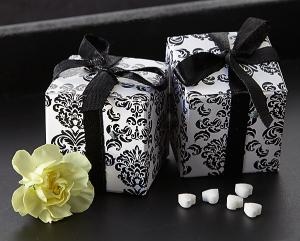 Classic Damask Favor Box in Black & White (24 Pack) image