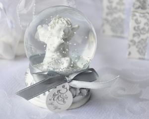 Angel Kisses Cherub Snow Globe Favor image