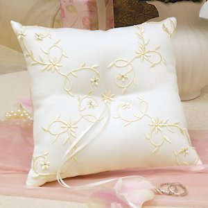 Sparkling Entwined Vine Ring Pillow image
