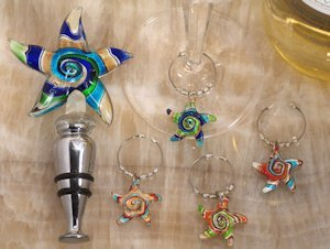 Starfish Design Glass Bottle Stopper and Wine Charm Set image