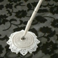 Elegant Lace Pen Set