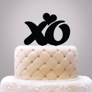 XO With Heart Cake Topper image