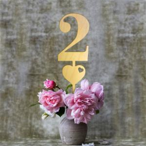 Wood Table Numbers with Heart (Set of 6) image