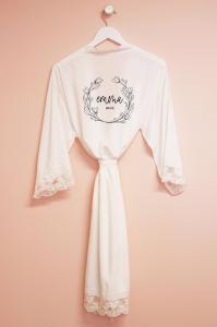 Personalized Wreath Cotton Lace Robes image