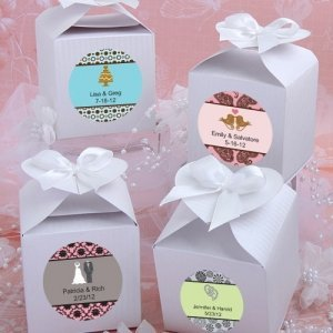 Personalized White Heart-Topped Favor Box image