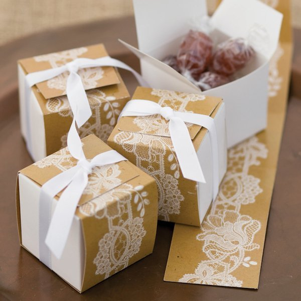 Wedding Gifts Boxes: Lace-Wrap Rustic Wedding Favor Boxes (Set Of 25
