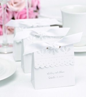 Personalized White Scalloped Edge Favor Boxes (Set of 25) image