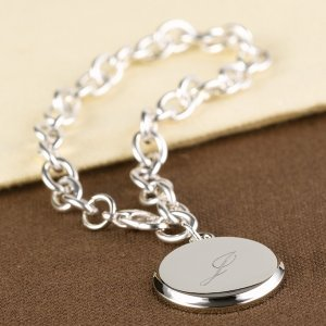 Personalized Charm Link Bracelet in Multiple Shapes image