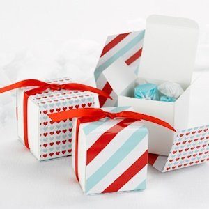 Red and Aqua Reversible Hearts Wrap Boxes (Set of 25) image