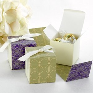 Purple Reversible Damask Wrap Boxes (Set of 25) image