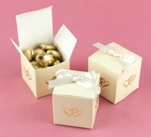 Ivory Linked at Heart Favor Boxes (Set of 25) image