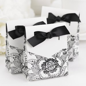 Floral Favor Boxes (3 Colors - Set of 25) image