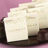 Ivory Scalloped Edge Favor Boxes (Set of 25)