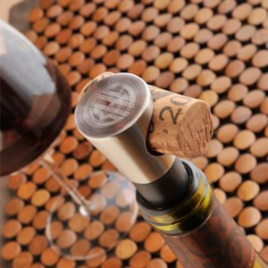 Personalized Buono Vido Wine Stopper image