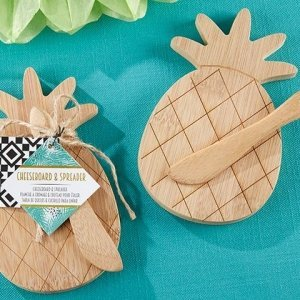 Pineapple Cheeseboard and Spreader Favors image