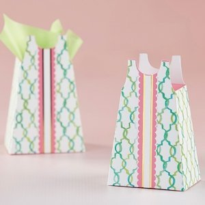 Sundress Favor Box (Set of 12) image