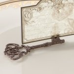Vintage Key Place Card Holders (Set of 4)