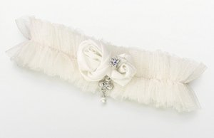 Tulle Garter with Jewel-Ivory image