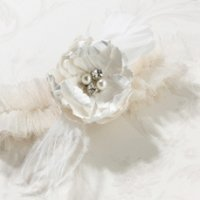Chic & Shabby Garter (2 Colors)