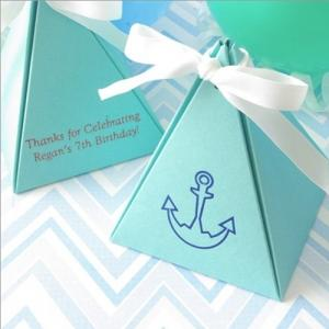 Personalized Basic Pyramid Favor Box image