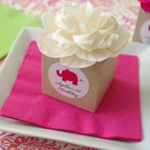 Personalized Kraft Flower Top Favor Box with Vintage Rose image