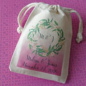 Monogram Green Wreath Personalized Large Muslin Bag image