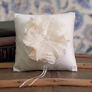 Beverly Clark La Fleur Collection Ring Pillow image