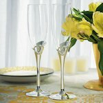 Stylized Heart Champagne Flutes for Weddings