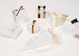 Classic Floral Pattern Favor Boxes (Set of 10) image