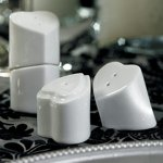 Heart to Heart Salt and Pepper Wedding Favors (12 Pack)