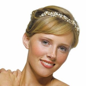 Twist of Gold with Ivory Pearls Garden Tiara image