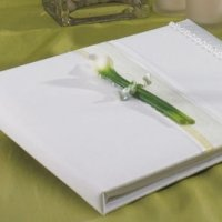 Calla Lily Traditional Guest Book