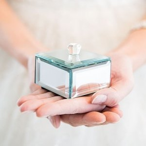 Miniature Beveled Mirror Box Favors (Set of 4) image