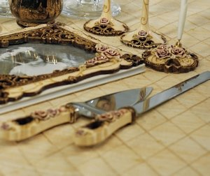 Elegant Vintage Rose Cake Serving Set image
