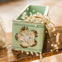 Vintage Inspired Ornate Box With Decorative Pull (2 Colors)