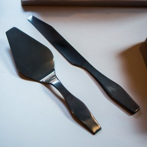 Onyx Black Modern Cake Serving Set image